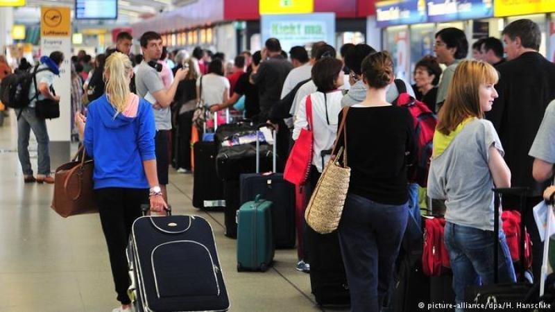 Cancelan 659 vuelos en Berlin, casi el 100% de sus dos aeropuertos (Foto: picture alliance/DPA/H. Hanschke).