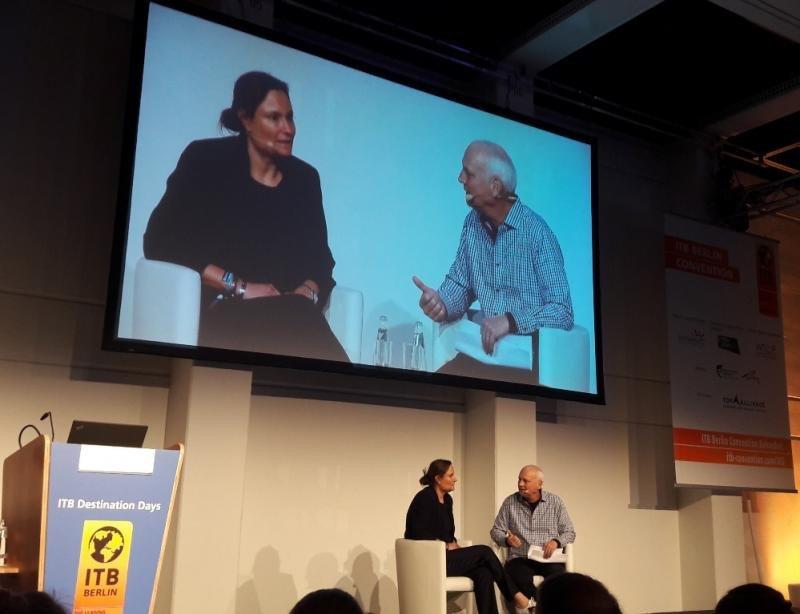 Gillian Tans, presidente y CEO de Booking.com, en el transcurso de la entrevista con Philip C. Wolf, fundador y director del Consejo de PhocusWright, en la ITB 2017.