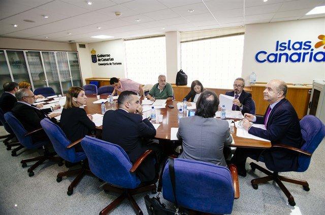El consejero de Economía, Industria, Comercio y Conocimiento del Gobierno de Canarias, Pedro Ortega, presidió ayer la segunda comisión de trabajo de seguimiento del Brexit.