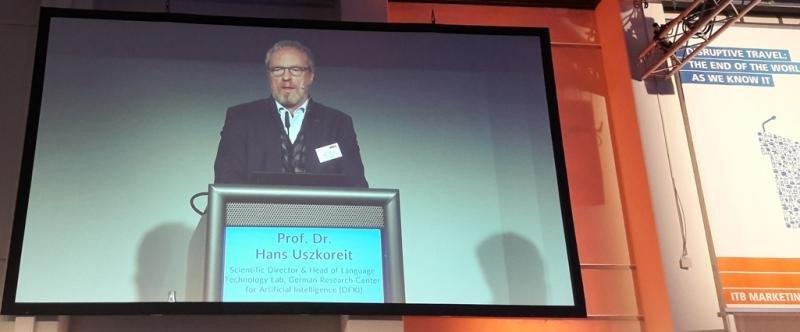 Uszkoreit recuerda que 'la inteligencia artificial no es humana, pero hace que la gente creativa sea mucho más fuerte'.