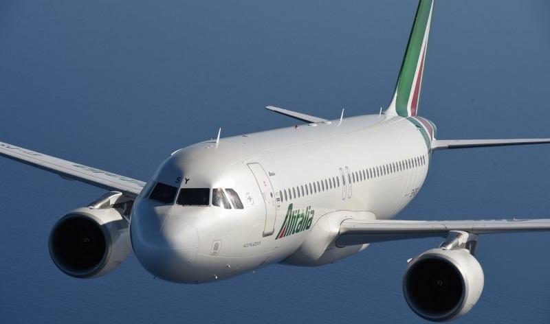 Alitalia debe recortar sus costes 1.000 M € en cuatro años
