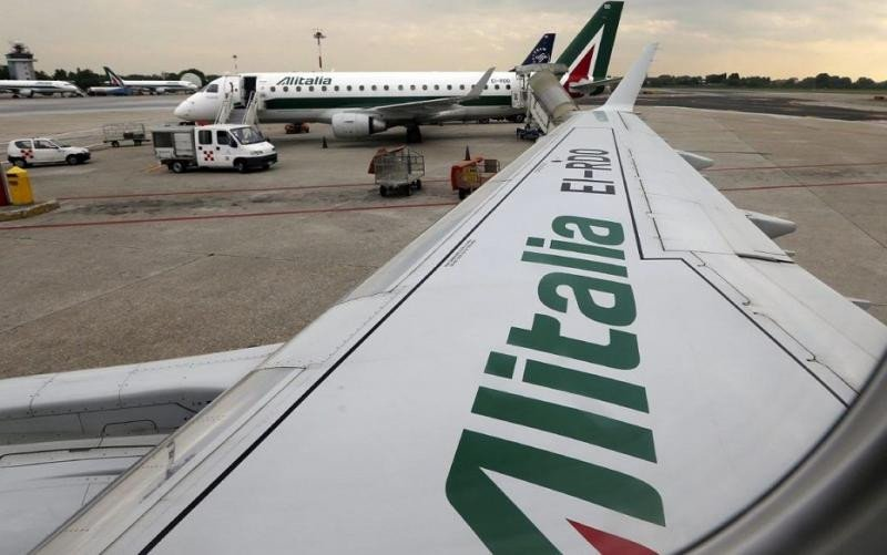 Alitalia cancela para este lunes el 40% de sus vuelos