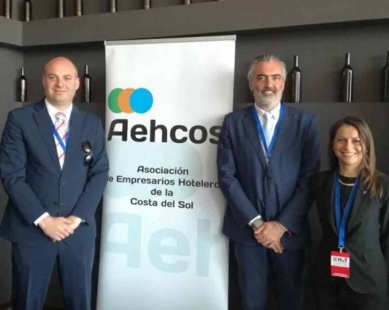 Andrés Herrero, (vicepresidente primero), Luis Callejón y Paola Licheri (de izqu. a dcha.).
