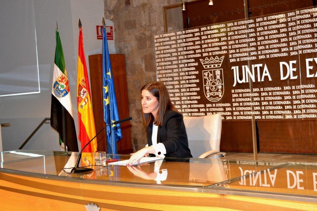 La portavoz de la Junta de Extremadura, Isabel Gil Ros.