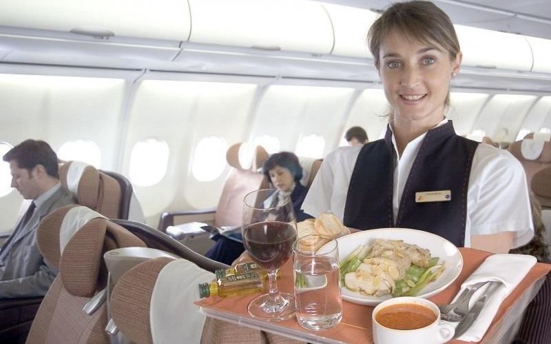 Iberia busca tripulantes de cabina de pasajeros