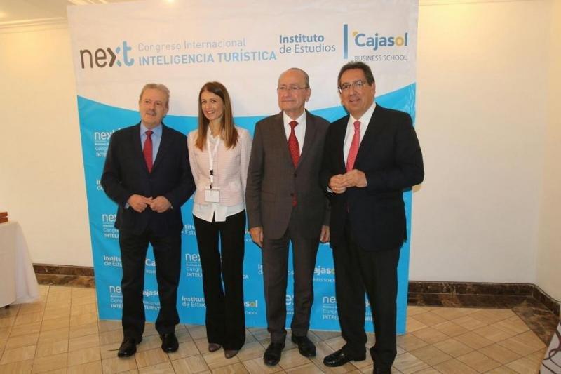 Algunos de los participantes en el II Congreso Internacional de Inteligencia Turística que se celebra hasta hoy en Málaga.