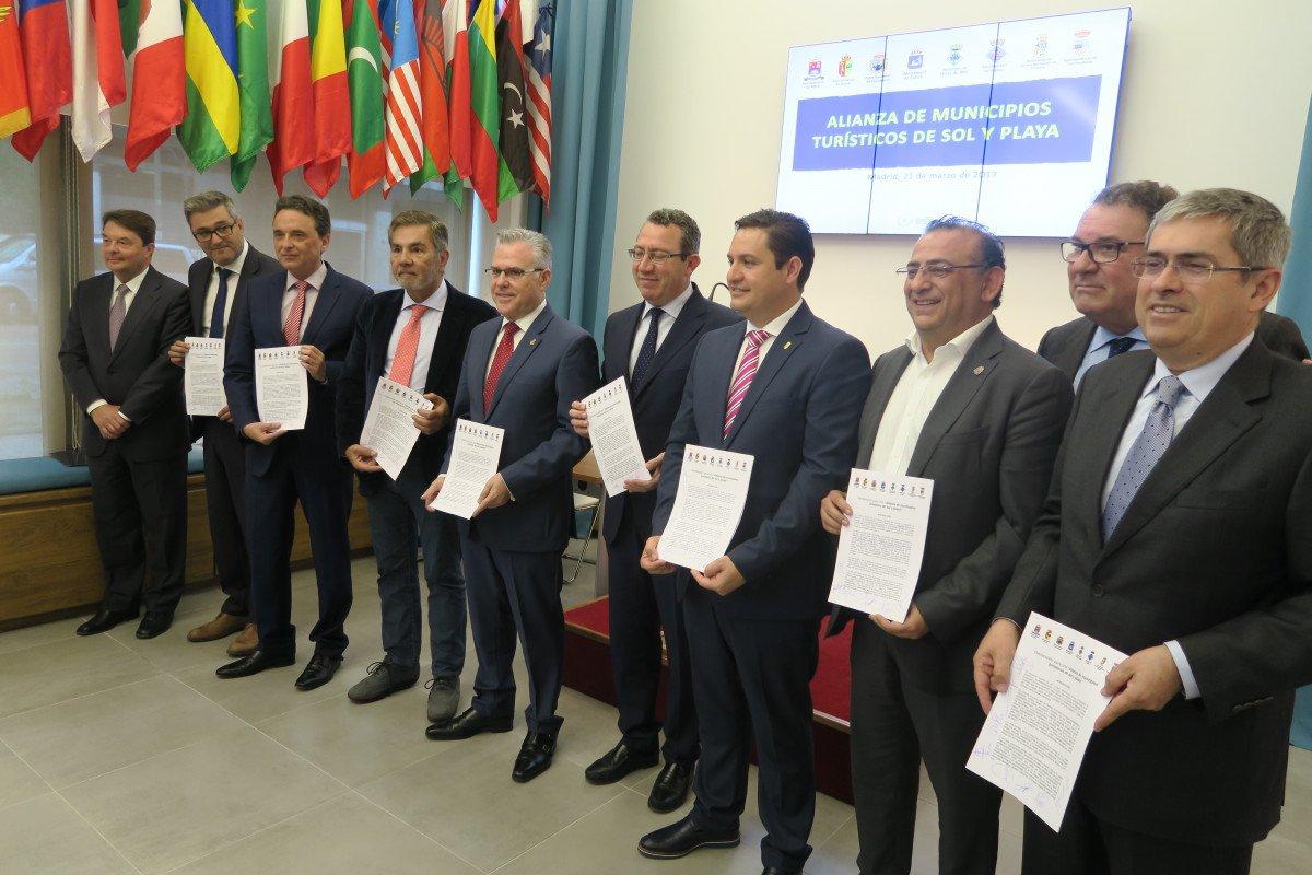 Los ochos municipios turísticos sellaron su alianza el martes en la sede de la OMT, en Madrid.