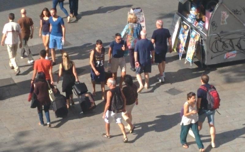 Imagen de archivo de turistas en Barcelona