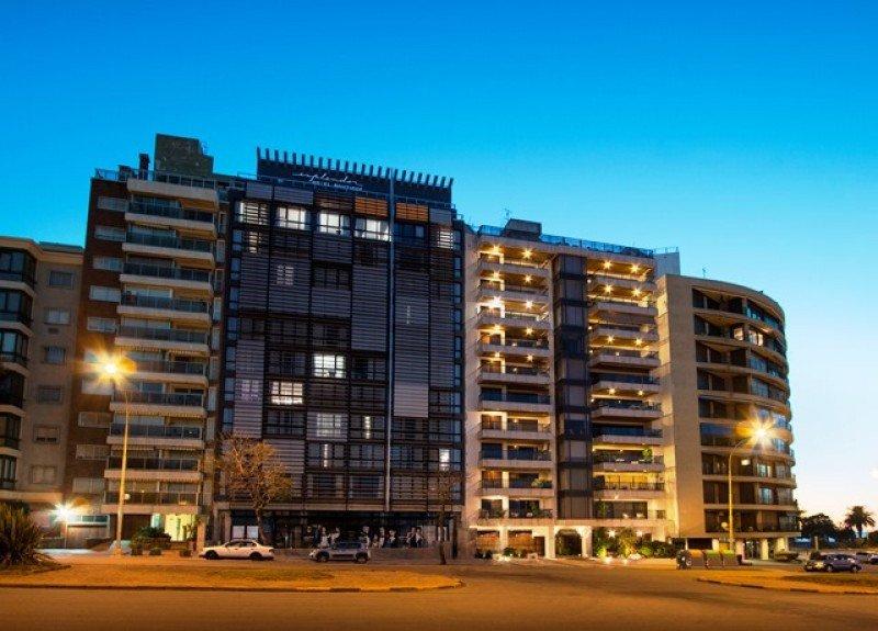 El nuevo hotel se encuentra en Bulevar Artigas y la rambla, frente al Club de Golf. Fotos: Fefo Bouvier.