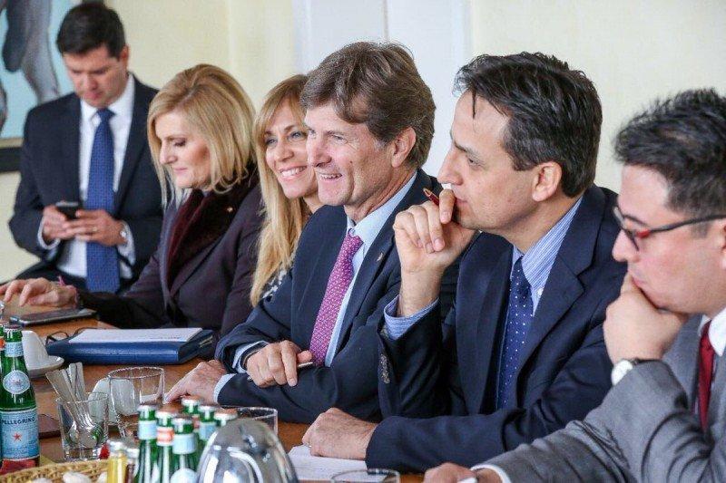El secretario de Turismo de México, la directora de promoción Lourdes Berho y otros representantes se reunieron con autoridades de gobierno y los principales ejecutivos de turoperadores de Alemania.