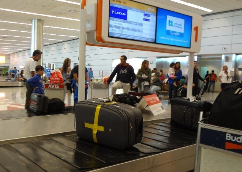 Azul hará descuento a pasajeros que no despachen equipaje