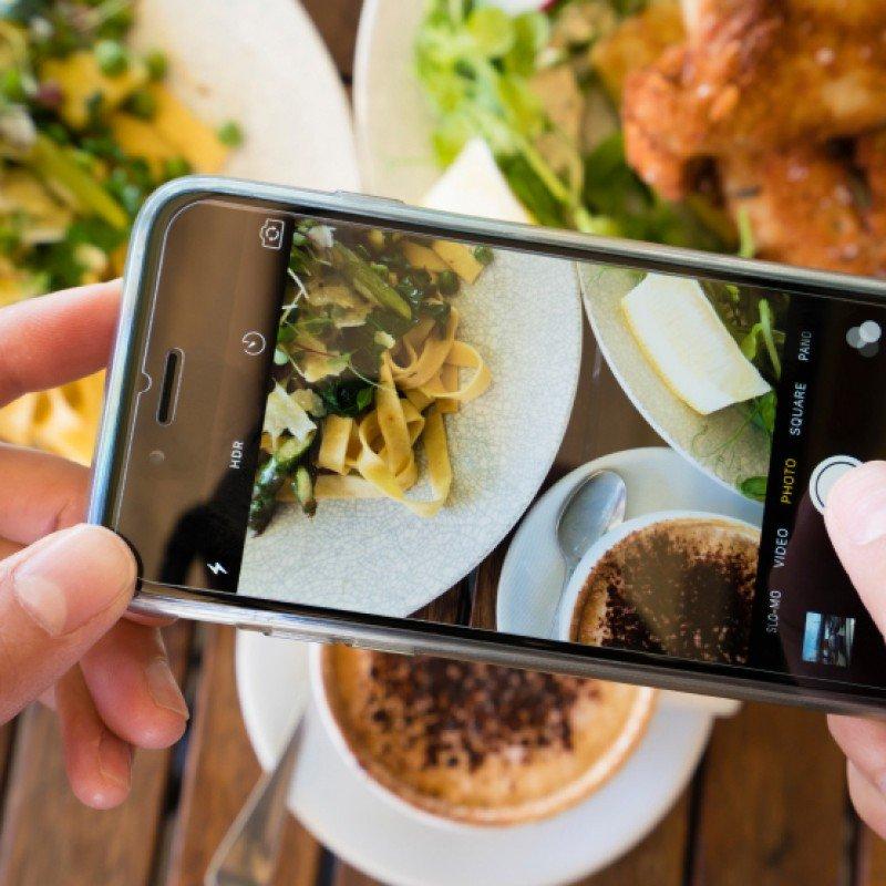 Redes sociales son claves para posicionar restaurantes, coinciden expertos