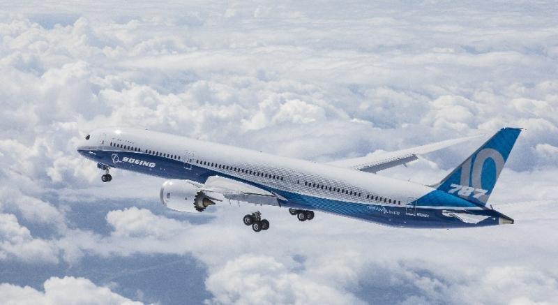 El Boeing 787-10 Dreamliner completa con éxito su primer vuelo