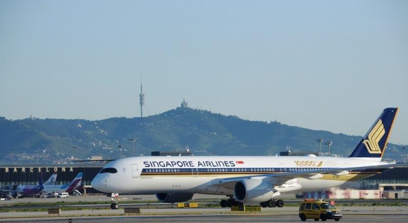El nuevo A350-900 de Singapore Airlines en el aeropuerto de Barcelona