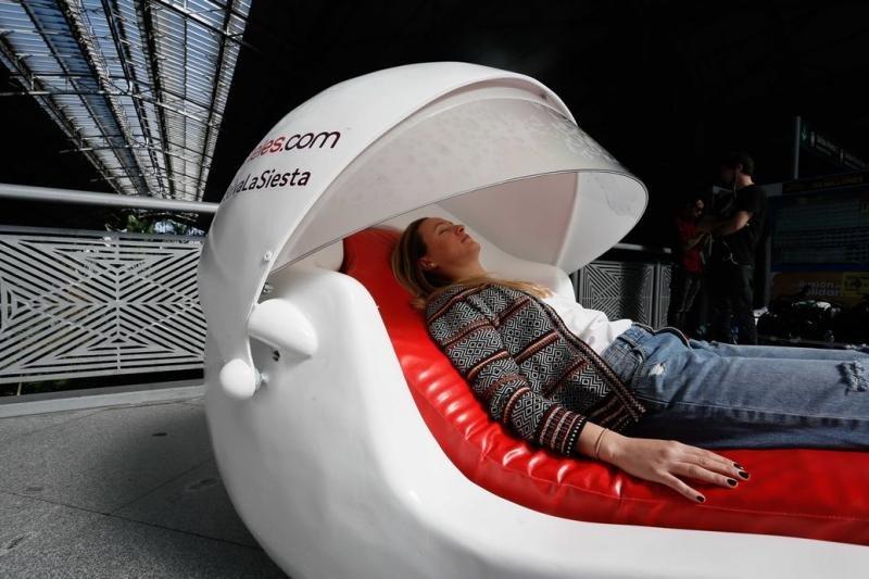 Los expertos afirman que es importante que la siesta no supere la media hora de duración para evitar la posterior sensación de torpor.