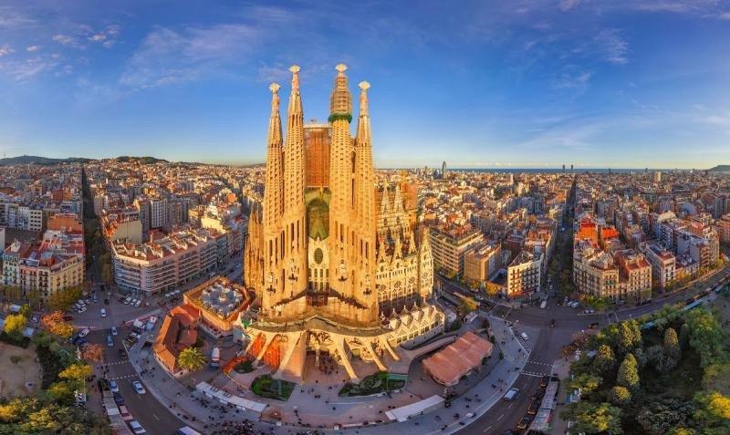Barcelona fue la ciudad con más demanda en España en 2016 seguida por Madrid.