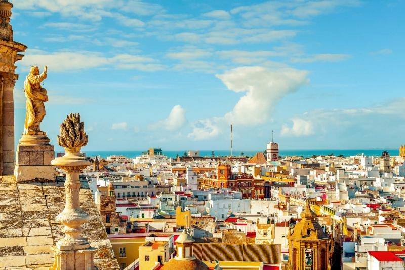 Alemanes, franceses y belgas prefieren la Península y Cádiz es un destino en auge.