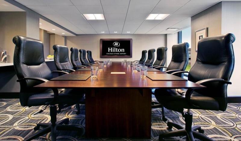 En las salas de reuniones de Hilton se está empezando a aplicar una tecnología de aprendizaje cognitivo por la que el cliente sólo tiene que decir que siente frío y la temperatura se reajusta suavemente.