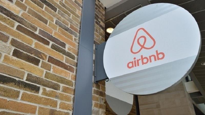 El Senado rechaza la propuesta de Podemos para acotar Airbnb