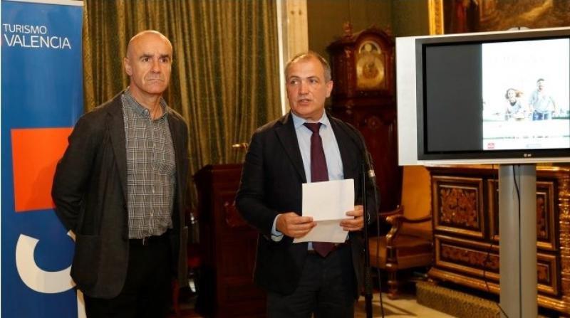 Antonio Muñoz, delegado de Hábitat Urbano, Cultura y Turismo del Ayuntamiento de Sevilla, y Antonio Bernabé, director de la Fundación Turismo de Valencia.