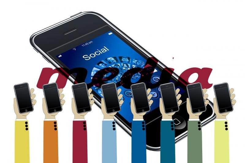 Redes sociales desde el móvil.