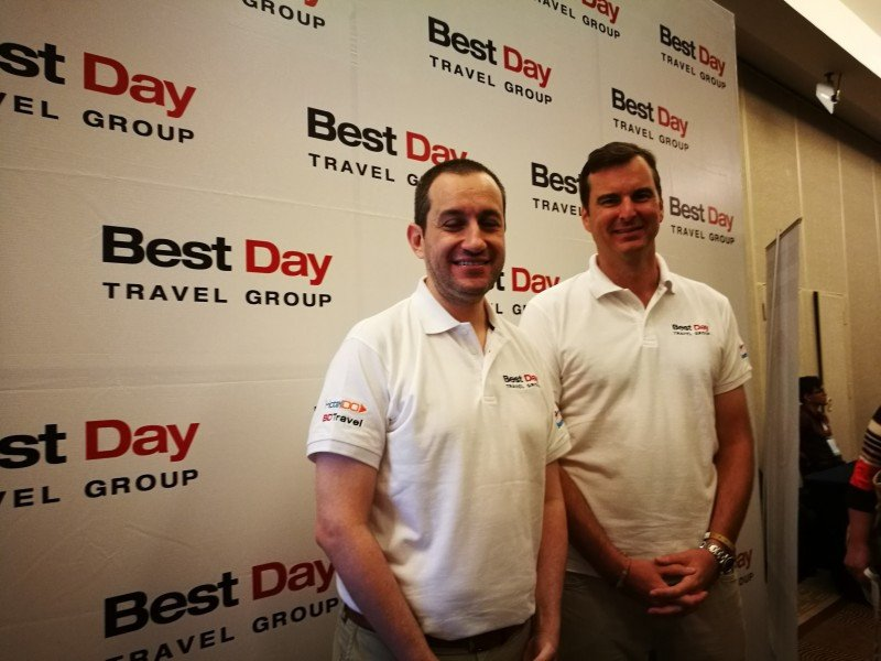 Izq a der: Rafael Durand Gutierrez (Director General de Producto y Operaciones de Best Day Travel Group) y Christian Kremers (CEO del grupo)..