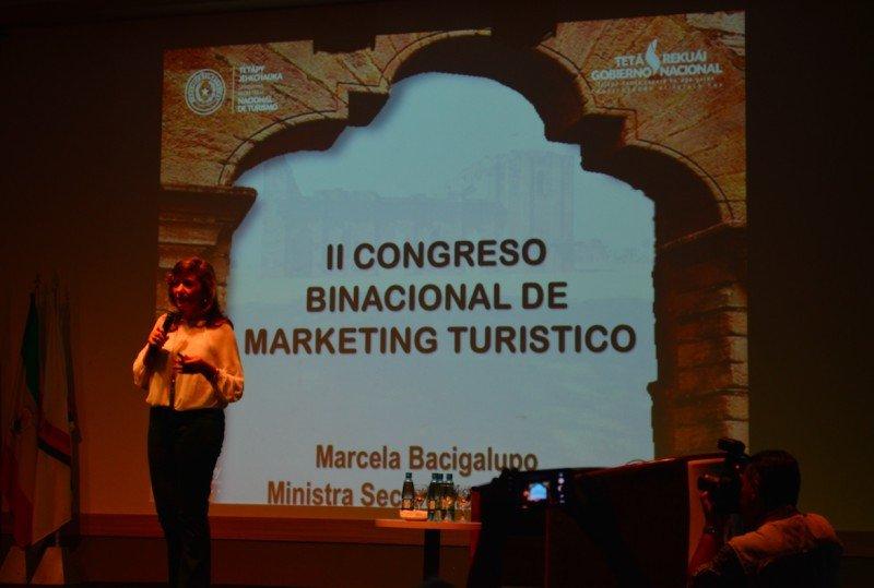 Marcela Bacigalupo participó del Congreso Binacional de Marketing Turístico.