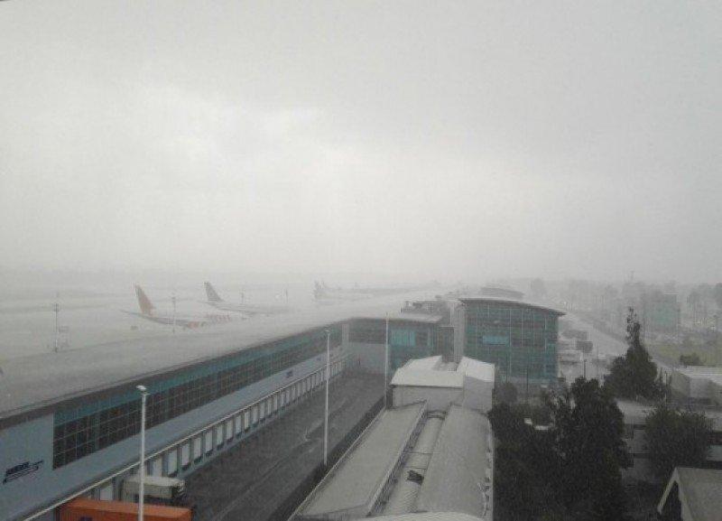 Miles de pasajeros fueron afectados por el mal tiempo en Eldorado. Foto El Meridiano (archivo)
