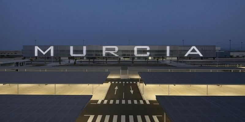 Aena y dos empresas disputan el Aeropuerto Internacional Región de Murcia