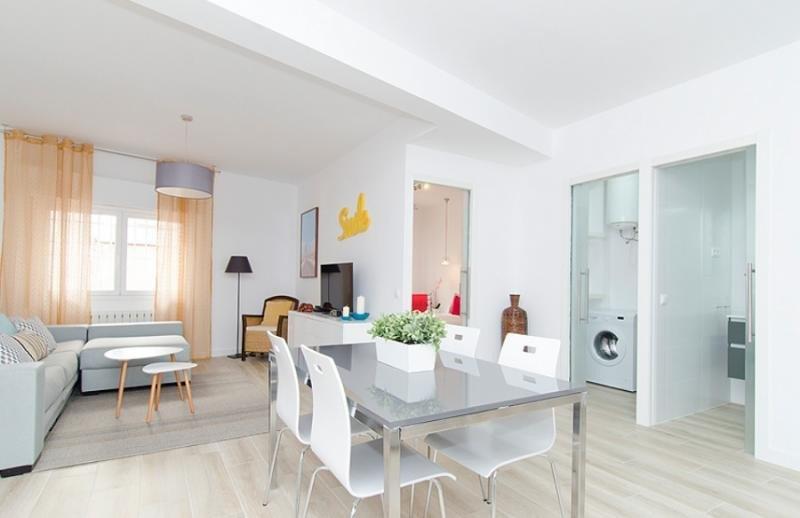 Airbnb pacta en San Francisco mientras negocia en Madrid