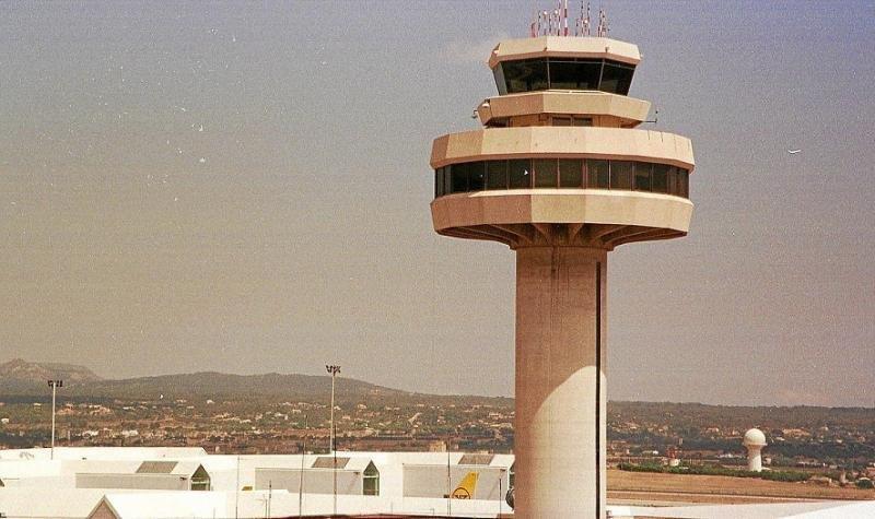 Abren juicio a 82 controladores de Baleares por el caos aéreo de 2010