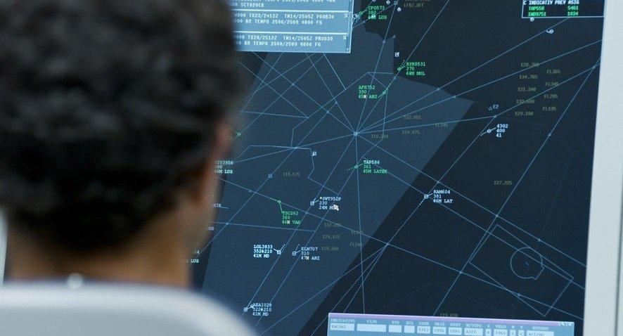 Enaire convocará 130 plazas para controladores aéreos durante el ejercicio