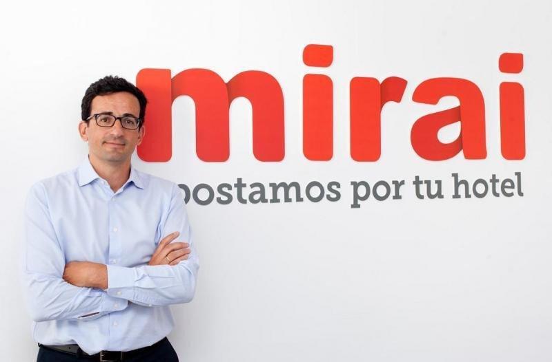 'Reducir el coste de distribución no es una prioridad para el hotelero, pero debería serlo porque hay muchísimo dinero ahí', según Pablo Delgado, CEO de Mirai.