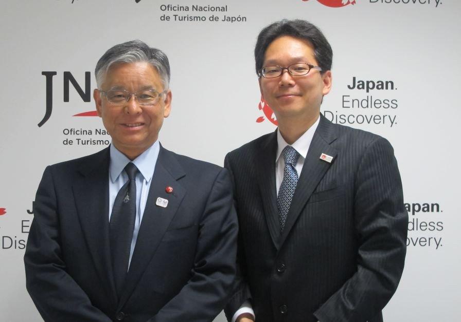 Ryoichi Matsuyama, presidente de la Oficina Nacional de Turismo de Japón, y Kenji Inoue, director la nueva oficina de España.