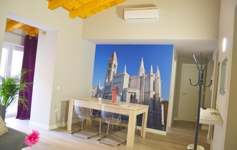 La CNMC requiere a la Junta de Castilla y León que suprima o modifique distintos artículos de su Decreto de viviendas de uso turístico