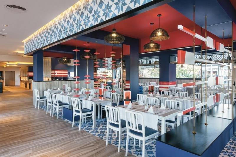 El andaluz María Sardina es uno de los tres restaurantes con que cuenta el complejo, junto con el principal 'Ajoblanco' y el italiano 'La Dolce Vita'.