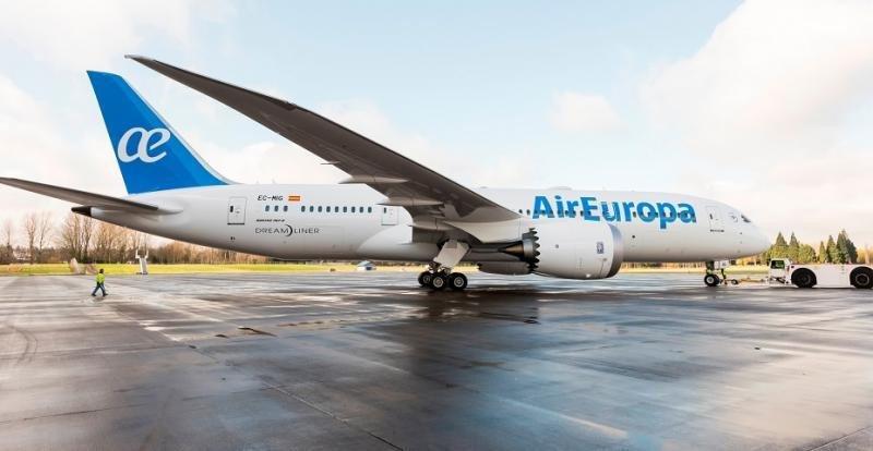 Air Europa aterriza en Montevideo con uno de sus modernos 787 Dreamliner