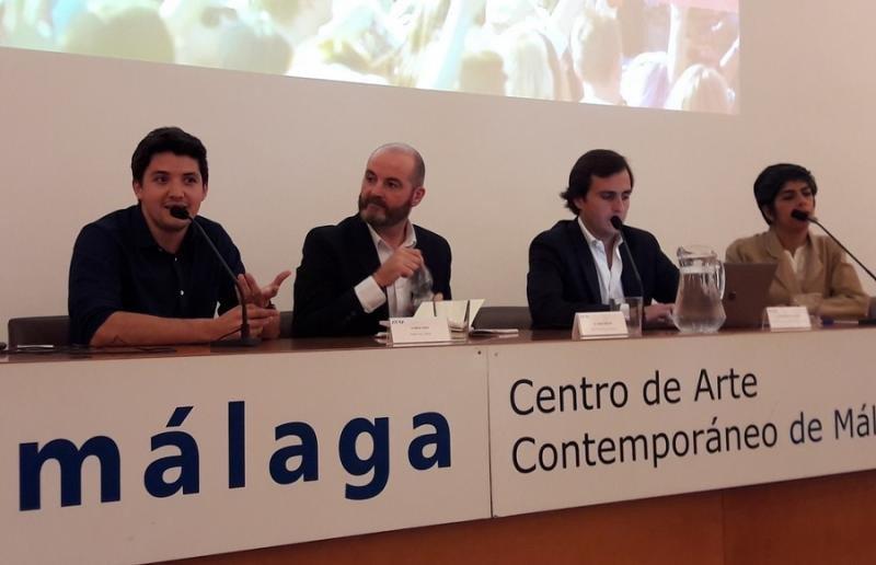 De izq a dch, Sergio Vinay (Airbnb), Joseba Cortázar (HomeAway), Kaajal Matsukani (Spain-Holiday.com) y Carlos Pérez-Lanzac, presidente de la AVVA