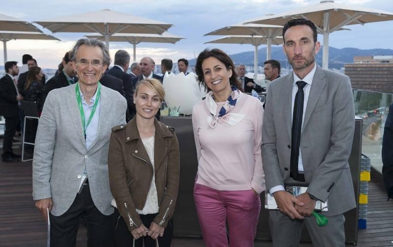 (De Izq. a Da.): Jaume Nebot, Helena Guitart, Inmaculada Benito, presidenta de la FEHM; y Manuel Molina.