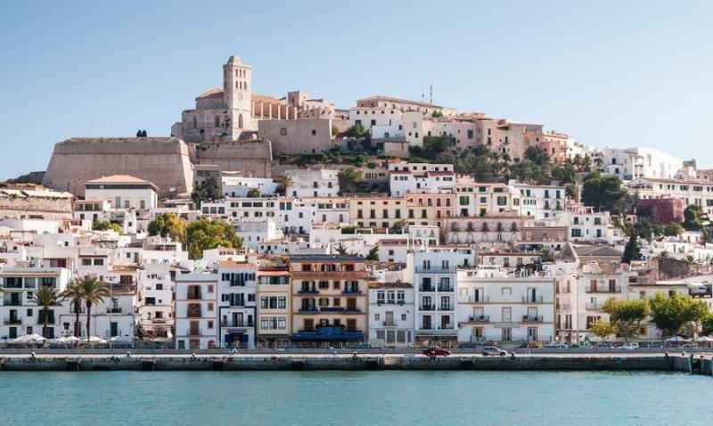 Ibiza detecta más de 2.300 anuncios de alquiler turístico sin licencia