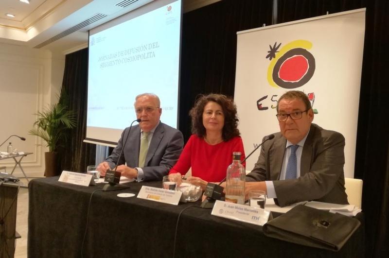 Gabriel García, Matilde Asián y Joan Molas en la apertura de la jornada sobre segmento cosmopolita