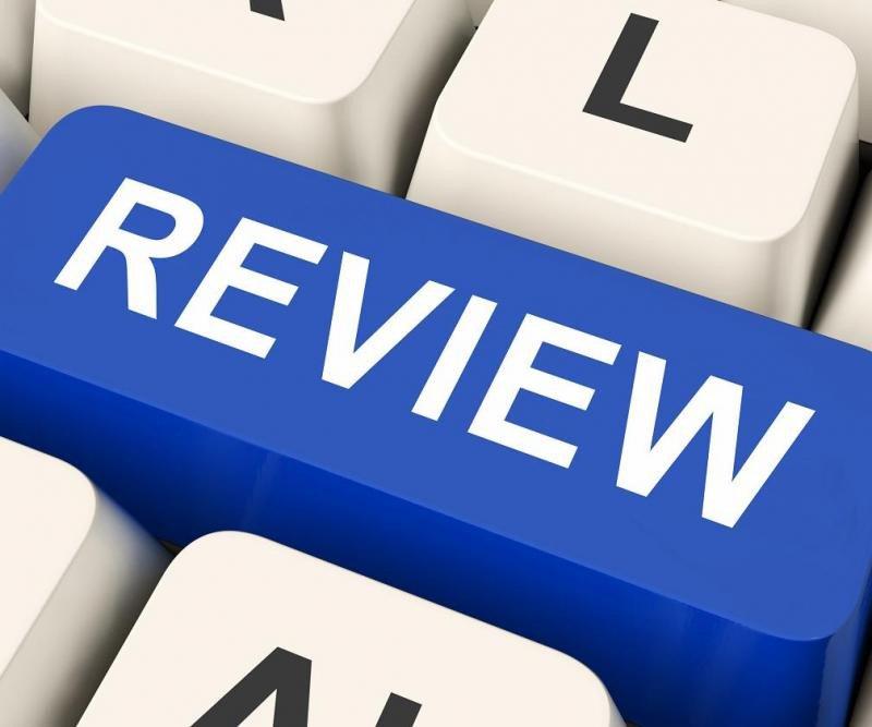 El comentario positivo es una propina electrónica, por lo que el empleado debe pedírselo al cliente con franqueza, por ejemplo en el momento del check out.