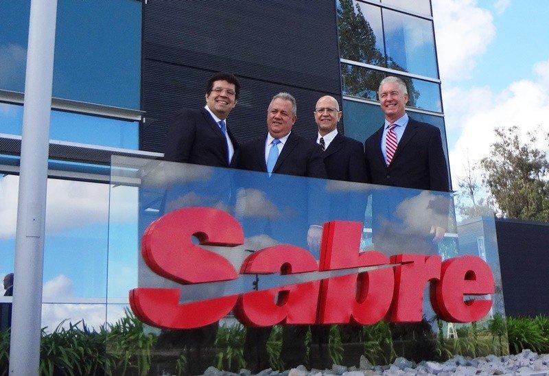 Ricardo Carreón, Alfred de Cárdenas, Jay Jones y Eduardo Díaz, directivos de Sabre.