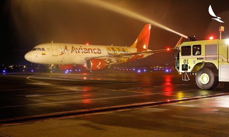 Bautismo del avión en su arribo a Uruguay. Foto: Avianca