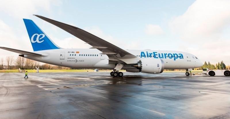 Air Europa aterriza en Montevideo con uno de sus 787 Dreamliner