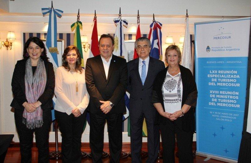 Ministros de Turismo del Mercosur avanzaron en su agenda conjunta durante la reunión en Buenos Aires.