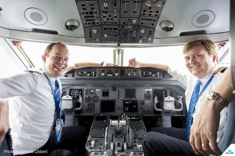 El rey Guillermo se formará como piloto de Boeing 737 para seguir ocupando un lugar en la cabina.