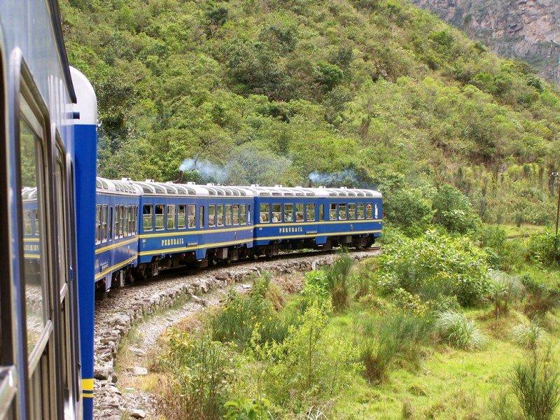 Perú multa a empresa que opera tren a Machu Picchu por reclamos de pasajeros