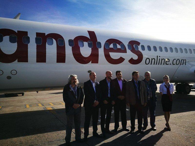 Andes Líneas Aéreas tuvo vuelo inaugural a Río Hondo con ocupación mayor a 90%