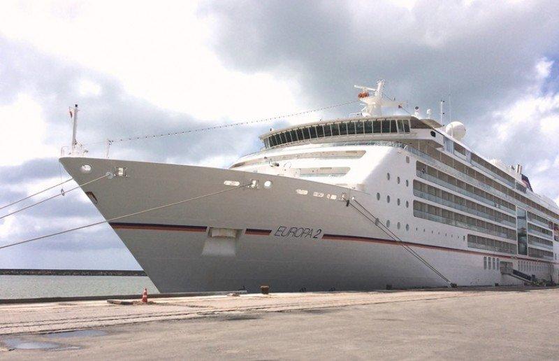 Nueva reglamentación facilitará la operativa de cruceros en Brasil. Foto: Puerto de Recife.